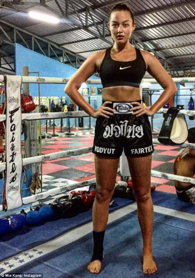 Người mẫu nóng bỏng bước lên sàn đấu Muay Thái - ảnh 7