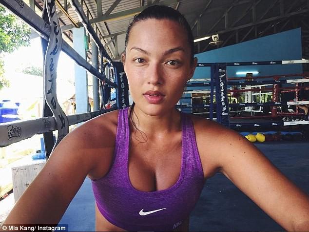 Người mẫu nóng bỏng bước lên sàn đấu Muay Thái - ảnh 6