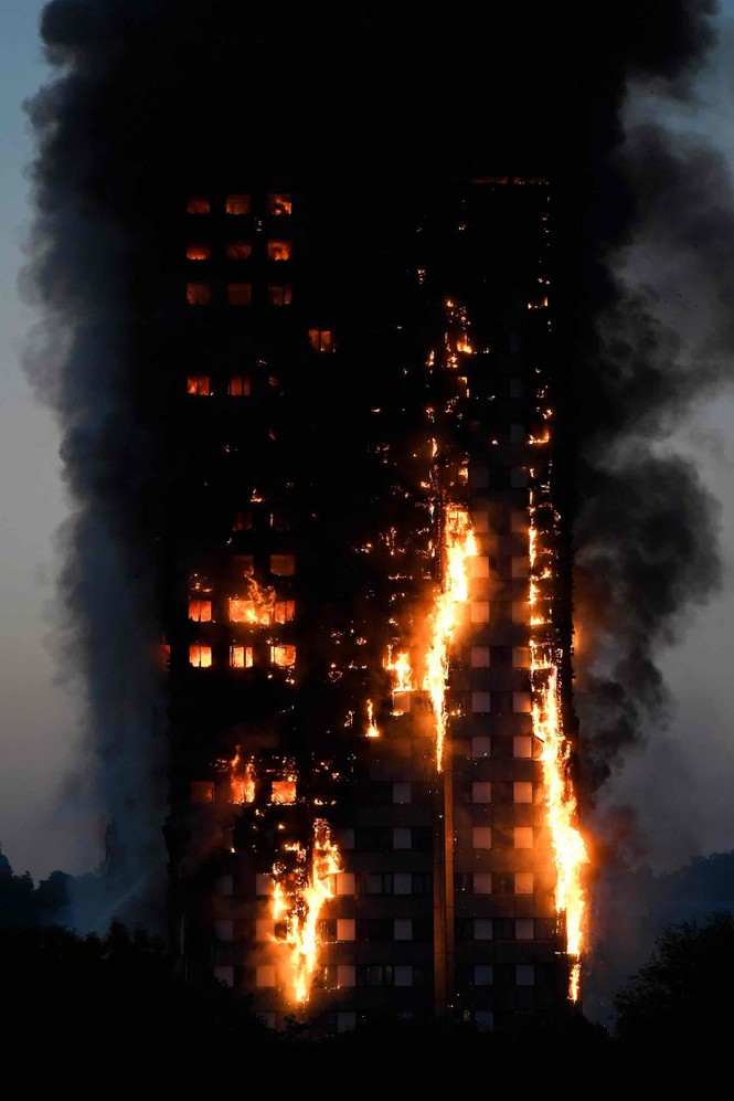 Những người thoát khỏi tòa nhà cháy rụi kể lại giây phút kinh hoàng - ảnh 3