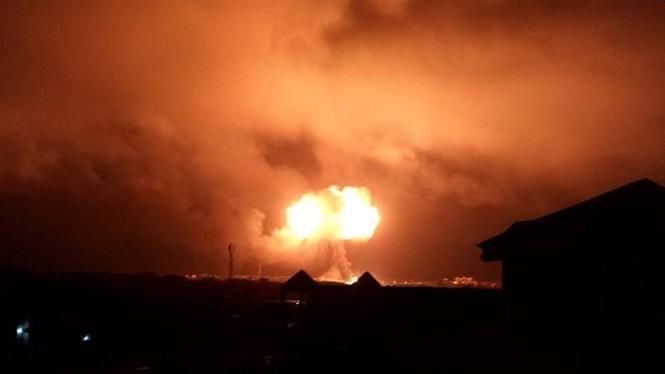 Trạm xăng phát nổ như bom, ngàn người sợ hãi bỏ chạy - ảnh 2