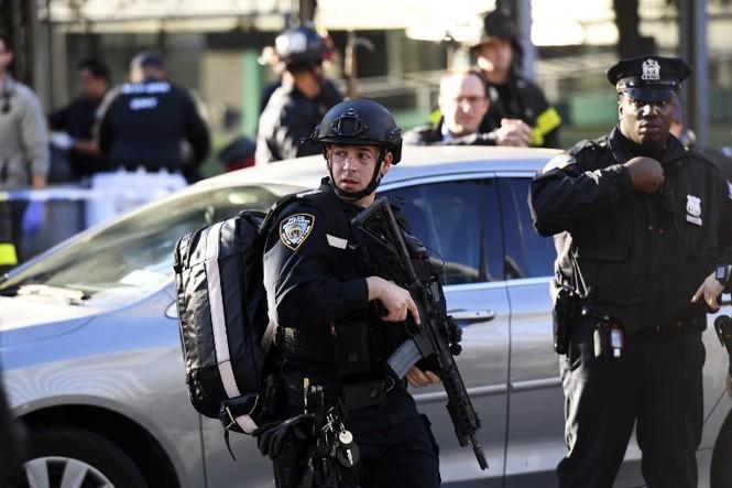 Hiện trường vụ khủng bố New York khiến 8 người thiệt mạng - ảnh 8