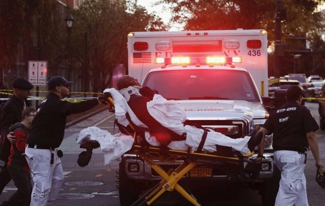 Hiện trường vụ khủng bố New York khiến 8 người thiệt mạng - ảnh 6