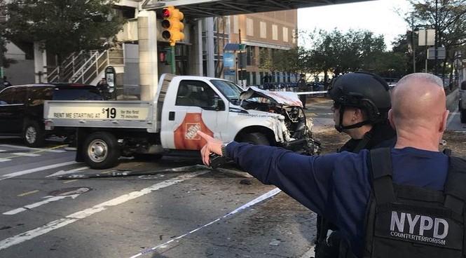 Hiện trường vụ khủng bố New York khiến 8 người thiệt mạng - ảnh 10