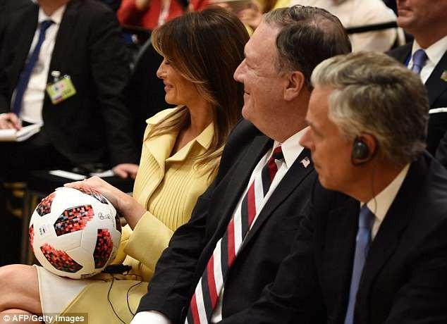 Chuyện gì đã xảy ra với trái bóng Tổng thống Nga tặng ông Trump? - ảnh 4
