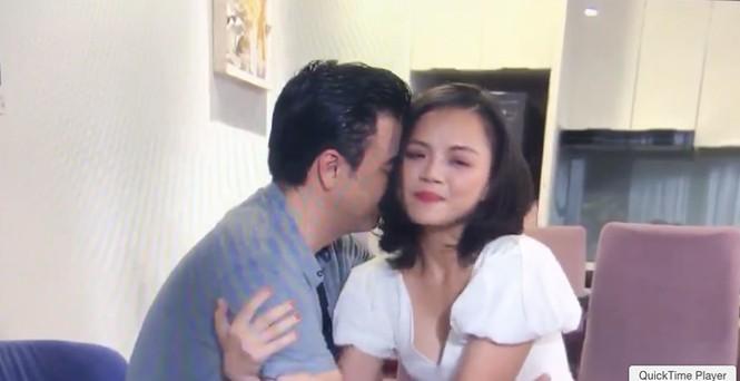 Thu Quỳnh run khi hôn cuồng nhiệt Tuấn Tú trong 'Về nhà đi con ngoại truyện' - ảnh 1