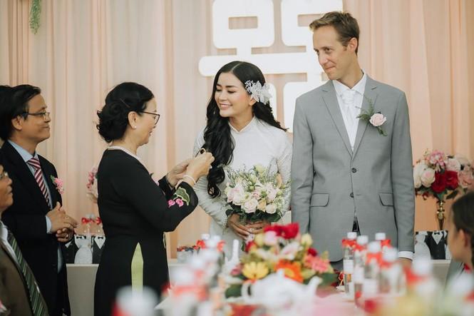 Nữ phi công cưới chồng Tây: 'Tôi có cuộc hôn nhân không bình thường' - ảnh 4