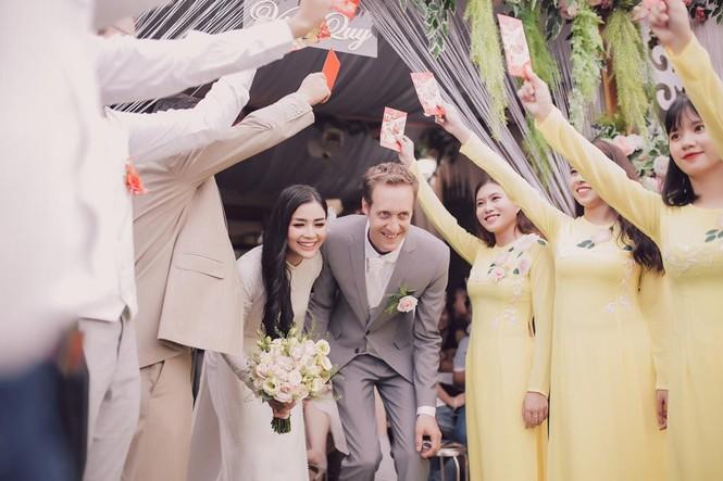 Nữ phi công cưới chồng Tây: 'Tôi có cuộc hôn nhân không bình thường' - ảnh 5