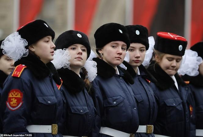 Hùng tráng sự kiện tái hiện lễ duyệt binh lịch sử trên Quảng trường Đỏ - ảnh 12