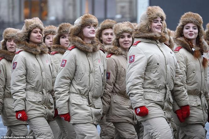 Hùng tráng sự kiện tái hiện lễ duyệt binh lịch sử trên Quảng trường Đỏ - ảnh 13