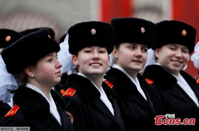 Hùng tráng sự kiện tái hiện lễ duyệt binh lịch sử trên Quảng trường Đỏ - ảnh 8