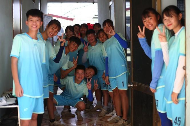 Thu nhập 1,3 triệu/tháng và kiếp sống mòn ở CLB bóng đá nữ Thái Nguyên - ảnh 1