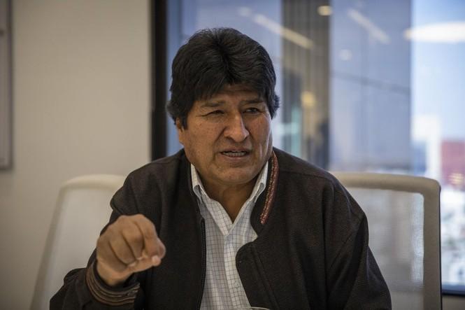 Ông Morales nói gì khi hai nữ nghị sĩ đều xưng là nguyên thủ Bolivia? - ảnh 1