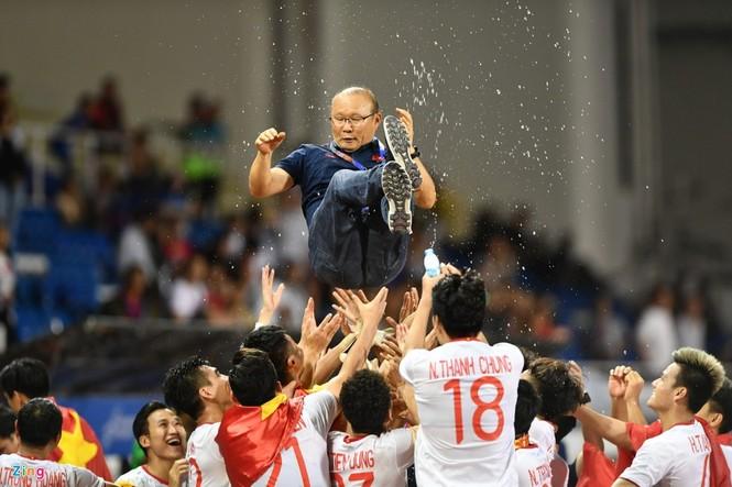 Tương lai mới của bóng đá Việt Nam sau HCV SEA Games - ảnh 1