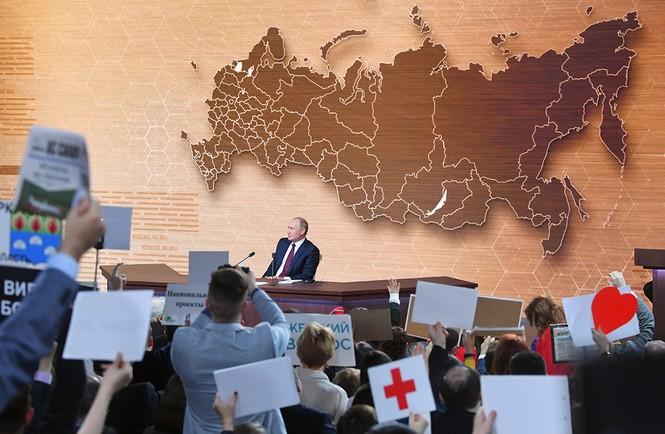 Ông Putin tiết lộ hai khoảnh khắc tồi tệ nhất trong nhiệm kì Tổng thống - ảnh 1