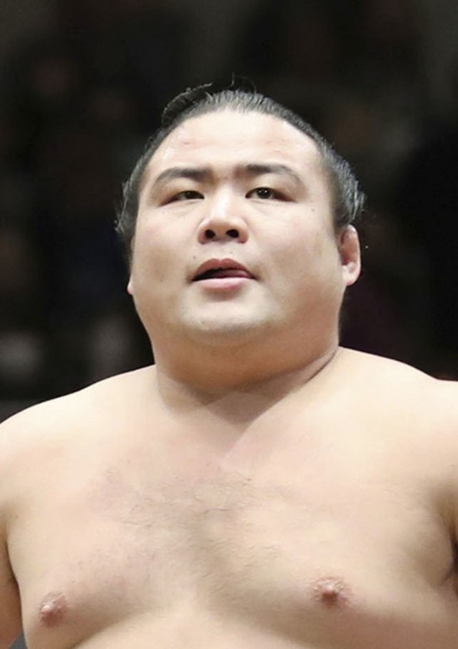 Võ sĩ sumo đầu tiên qua đời vì COVID-19 - ảnh 1