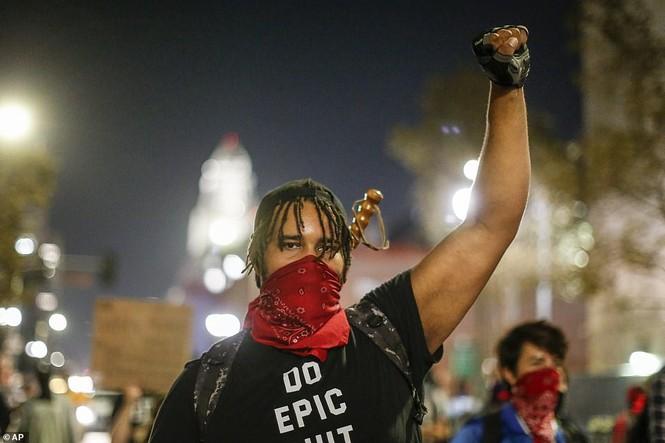 Mỹ: Biểu tình hậu bầu cử lan khắp nước Mỹ, 60 người bị bắt - ảnh 9