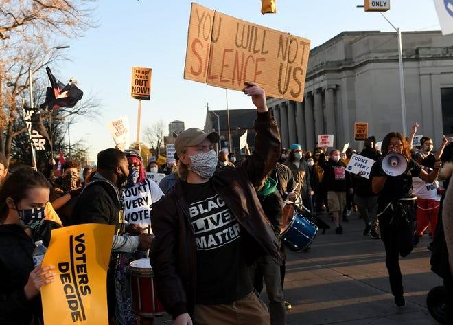Mỹ: Biểu tình hậu bầu cử lan khắp nước Mỹ, 60 người bị bắt - ảnh 10