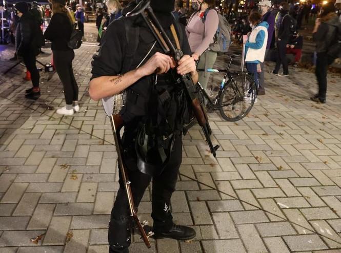 Mỹ: Biểu tình hậu bầu cử lan khắp nước Mỹ, 60 người bị bắt - ảnh 3