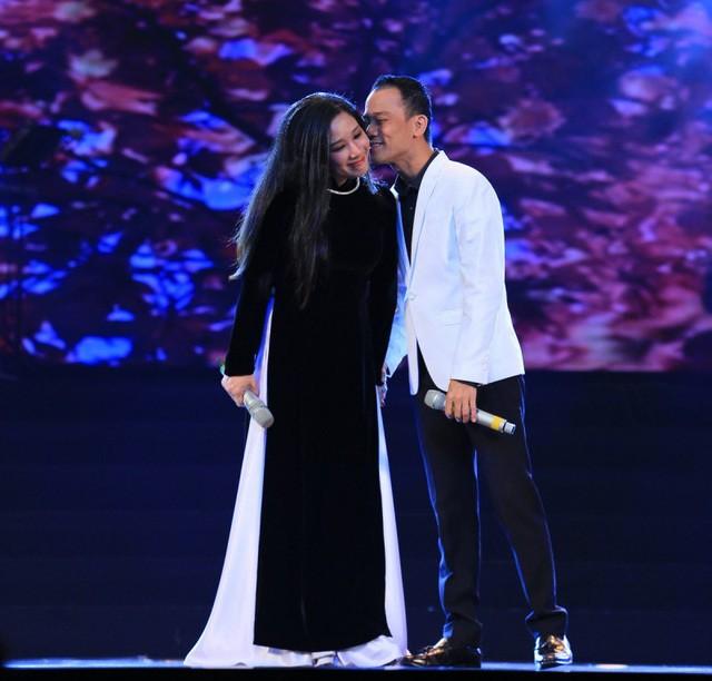 Thanh Thanh Hiền ly hôn Chế Phong sau 7 năm chung sống - ảnh 1