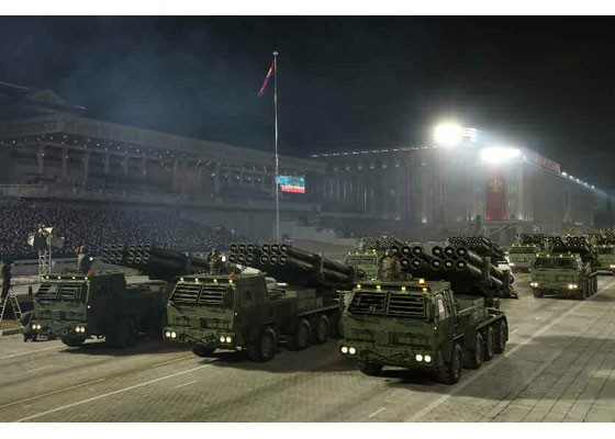 Triều Tiên duyệt binh hậu đại hội đảng, ra mắt tên lửa tàu ngầm mới - ảnh 7
