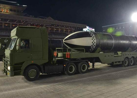 Triều Tiên duyệt binh hậu đại hội đảng, ra mắt tên lửa tàu ngầm mới - ảnh 4