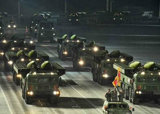 Triều Tiên duyệt binh hậu đại hội đảng, ra mắt tên lửa tàu ngầm mới - ảnh 10