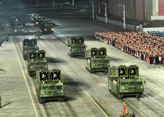 Triều Tiên duyệt binh hậu đại hội đảng, ra mắt tên lửa tàu ngầm mới - ảnh 12