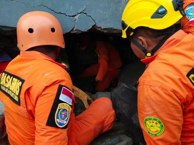7 người chết, hơn 600 người bị thương vì động đất ở Indonesia - ảnh 2