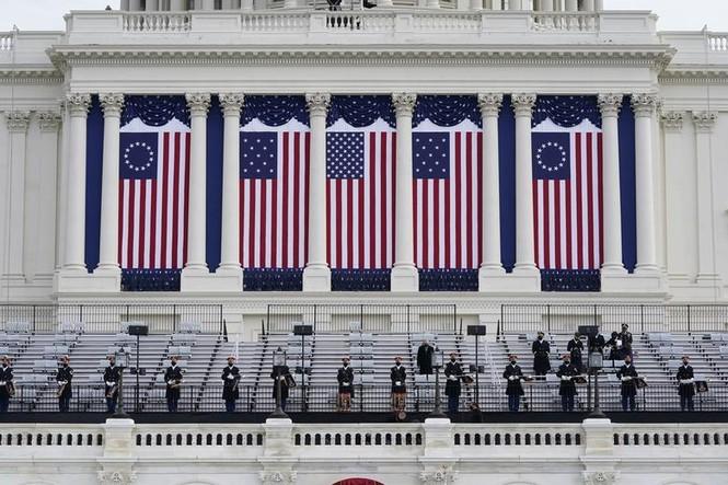 Trực tiếp: Ông Joe Biden tuyên thệ nhậm chức Tổng thống Mỹ thứ 46 - ảnh 47