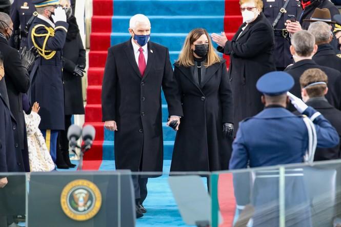 Trực tiếp: Ông Joe Biden tuyên thệ nhậm chức Tổng thống Mỹ thứ 46 - ảnh 22