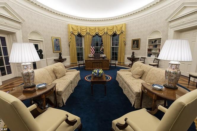 Phòng Bầu dục được bài trí lại để chào đón ông Joe Biden - ảnh 3