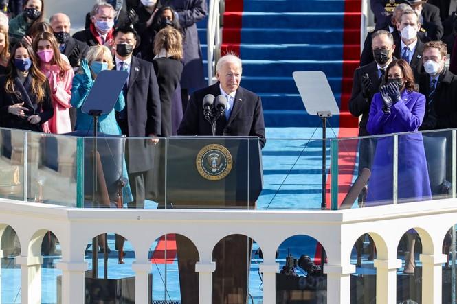Trực tiếp: Ông Joe Biden tuyên thệ nhậm chức Tổng thống Mỹ thứ 46 - ảnh 7