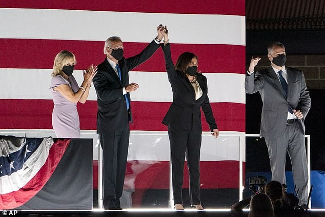 The husband revealed his love for the US Vice President at first sight - photo 6