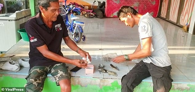 Being 'hibiscus', a fisherman found an orange pearl costing nearly 8 billion - photo 2