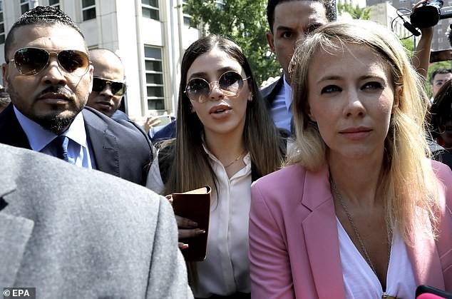 Cận cảnh nhan sắc vợ trùm ma túy khét tiếng El Chapo vừa bị bắt ở Mỹ - ảnh 4