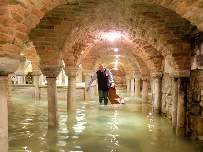 Venice ngập trong nước triều cường lịch sử - ảnh 2