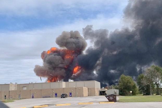cháy nổ nhà máy hóa chất hóa dầu Mỹ Texas - ảnh 4