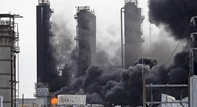 cháy nổ nhà máy hóa chất hóa dầu Mỹ Texas - ảnh 5