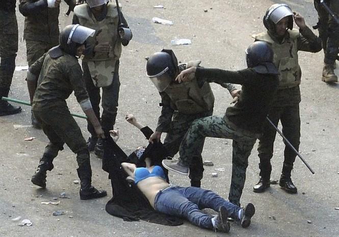 biểu tình bức ảnh cảnh sát chống chính phủ Mỹ Hong Kong Venezuela - ảnh 2