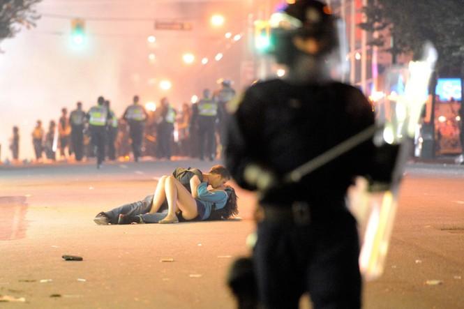 biểu tình bức ảnh cảnh sát chống chính phủ Mỹ Hong Kong Venezuela - ảnh 1