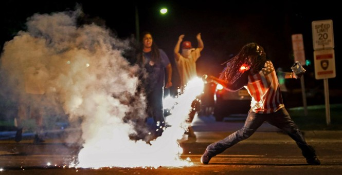 biểu tình bức ảnh cảnh sát chống chính phủ Mỹ Hong Kong Venezuela - ảnh 6