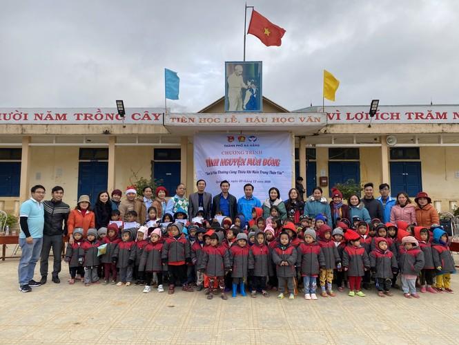 Mang đông ấm đến với trẻ em vùng núi Quảng Bình, Quảng Trị - ảnh 3