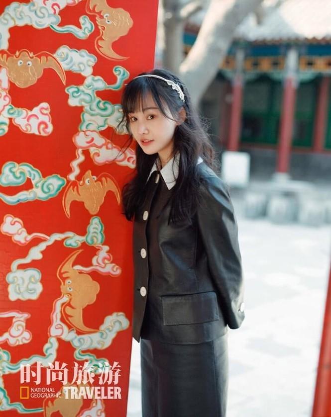 Ngắm Trịnh Sảng xinh lung linh trên bìa tạp chí Thời Thượng Du Lịch tháng 5 - ảnh 3