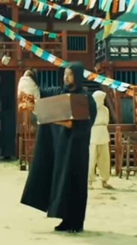 """Xem MV """"Daechwita"""" (Agust D - Suga BTS) để biết cả nhà Big Hit thương nhau như thế nào! - ảnh 4"""
