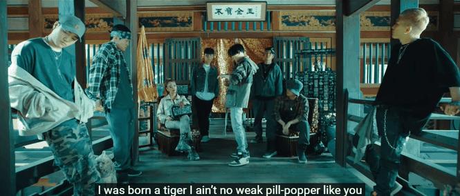 """Xem MV """"Daechwita"""" (Agust D - Suga BTS) để biết cả nhà Big Hit thương nhau như thế nào! - ảnh 5"""