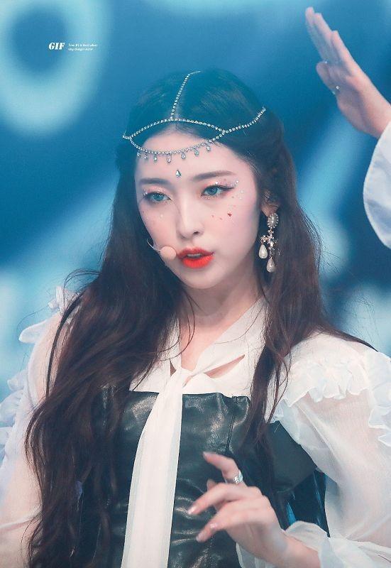 """Điều gì làm nên những """"cây hút fan"""" của các nhóm nhạc K-Pop? - ảnh 5"""