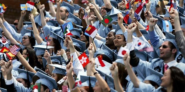 Chỉ có thể ở lại 1 năm để làm việc sau khi tốt nghiệp tại Mỹ, du học sinh ứng phó ra sao? - ảnh 2