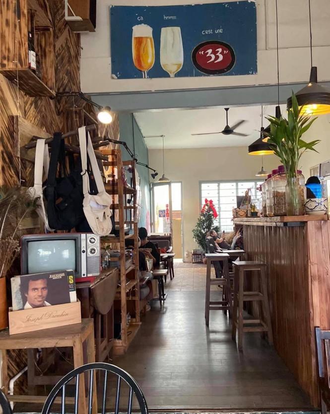 Ngược dòng thời gian quay trở về những tiệm cà phê mang phong cách Sài Gòn xưa - ảnh 5