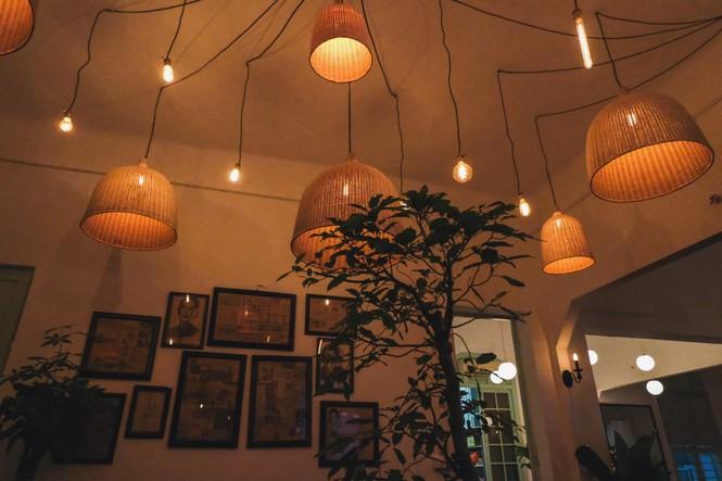 Ngược dòng thời gian quay trở về những tiệm cà phê mang phong cách Sài Gòn xưa - ảnh 4