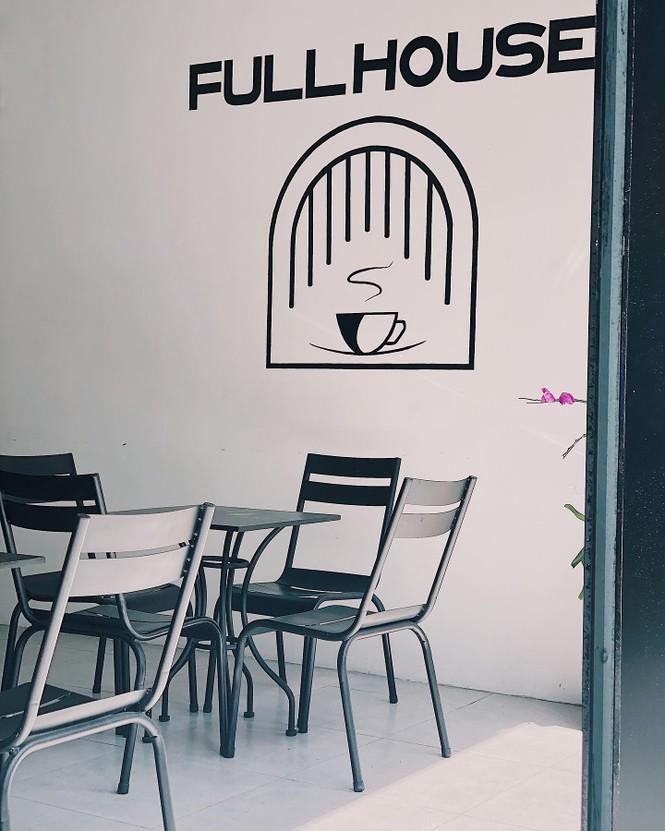 Những cửa tiệm cà phê